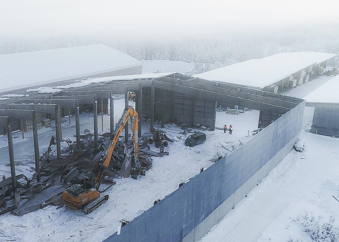 Pölkky Oy:n teollisuushallin katto